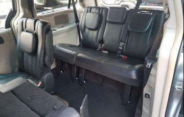 Chrysler Town & Country 3.6 Touring V6 24v - Foto #6