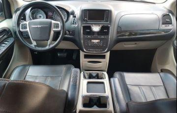 Chrysler Town & Country 3.6 Touring V6 24v - Foto #10