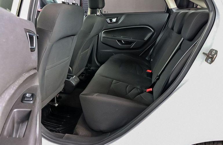 Ford Fiesta 1.6 SE Plus Sedan 16v - Foto #7
