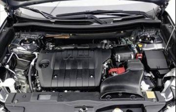 Mitsubishi Outlander 2.2 Mivec Di-d Hpe-s Awd - Foto #4