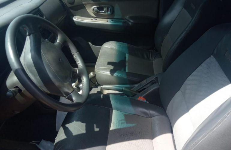 Mitsubishi L 200 GL 4x4 2.5 Turbo (cab. dupla) - Foto #4