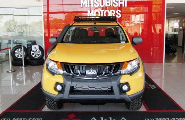 Mitsubishi L200 Triton Savana GLS 2.4 - Foto #2