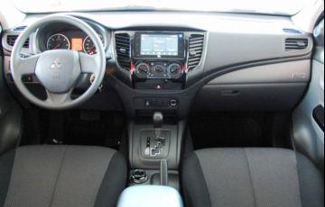 Mitsubishi L200 Triton Savana GLS 2.4 - Foto #5