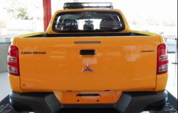 Mitsubishi L200 Triton Savana GLS 2.4 - Foto #10