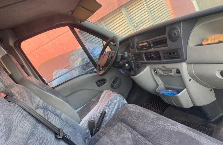 Renault Master Furgão (longo) 2.5 16V - Foto #2