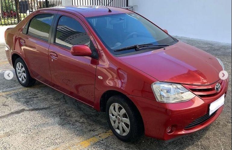 Toyota Etios Sedan XS 1.5 (Flex) - Foto #2