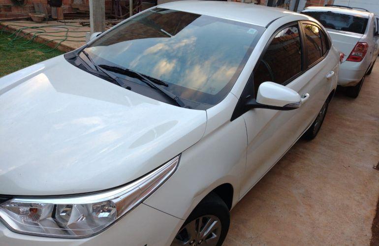 Toyota Yaris Sedan 1.5 XL Live CVT - Foto #2