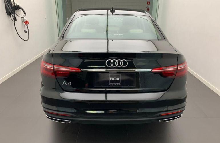 Audi A4 2.0 TFSI Prestige Plus - Foto #5