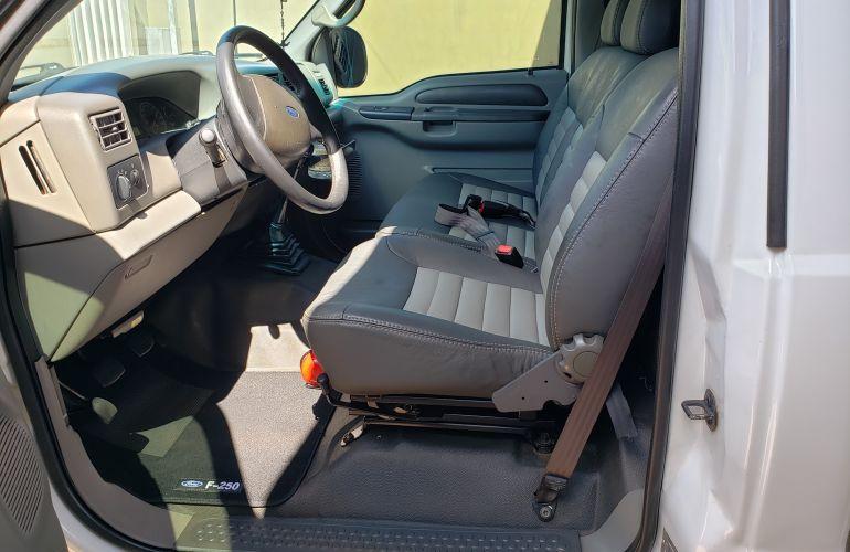 Ford F-250 XL 4x4 3.9 (Cab Simples) - Foto #2