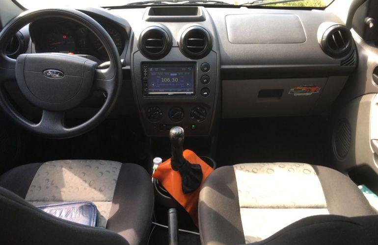 Ford Fiesta Hatch 1.0 (Flex) - Foto #7
