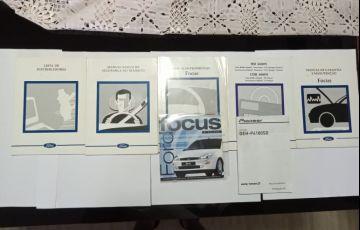 Ford Focus Hatch 1.8 16V - Foto #10