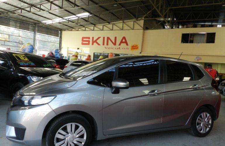 Honda Fit 1.5 DX 16v - Foto #2