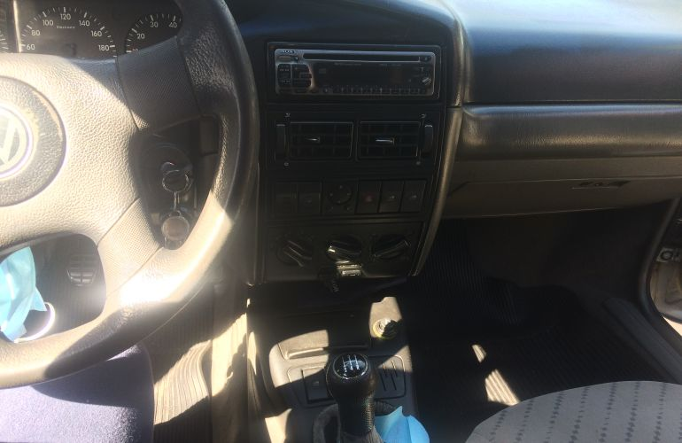 Volkswagen Santana 1.8 MI (álcool) - Foto #2