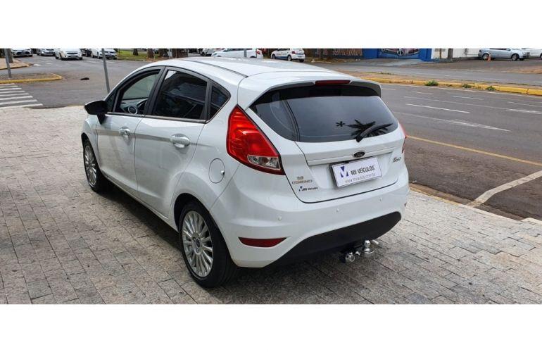 Ford New Fiesta 1.6 SE - Foto #4