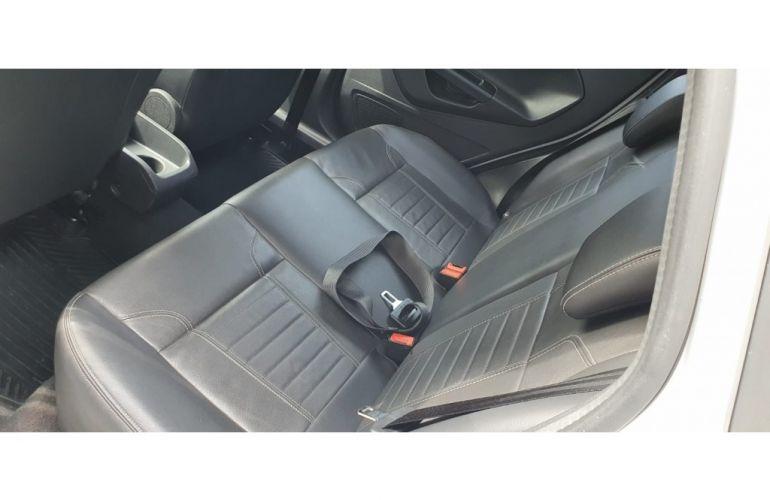 Ford New Fiesta 1.6 SE - Foto #8