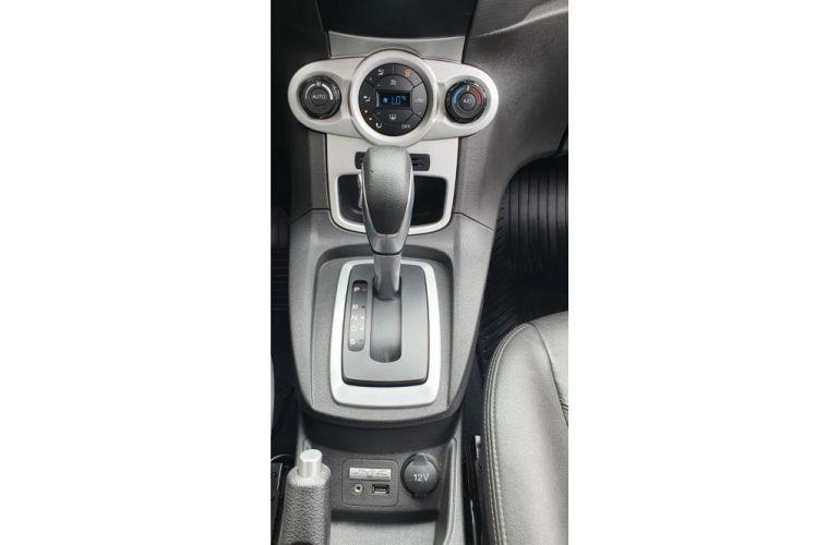 Ford New Fiesta 1.6 SE - Foto #10