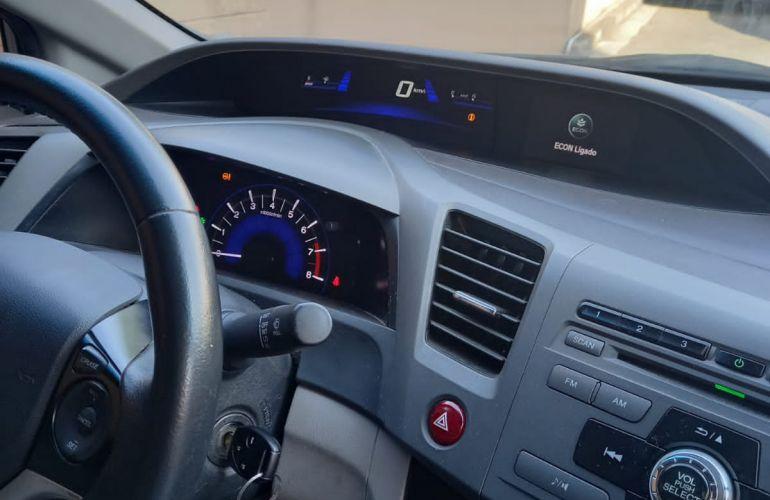 Honda New Civic LXS 1.8 16V i-VTEC (Flex) - Foto #5