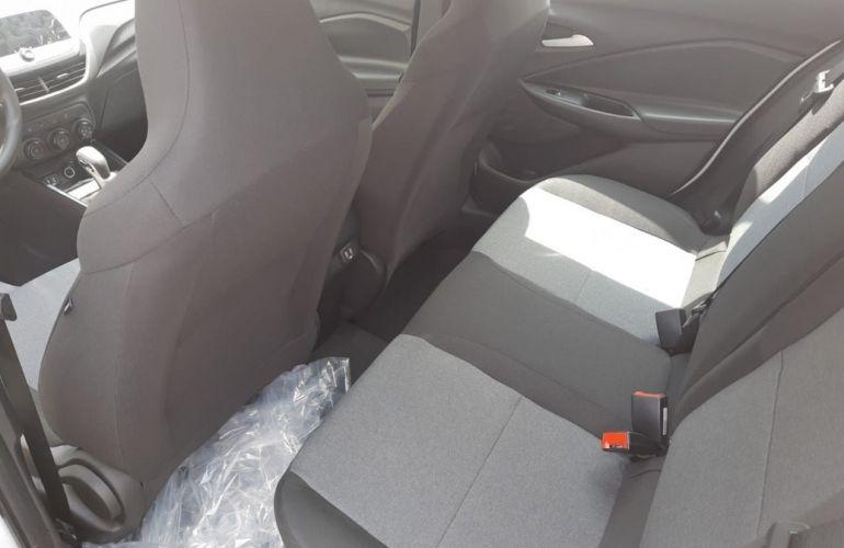 Chevrolet Onix 1.0 Plus - Foto #7