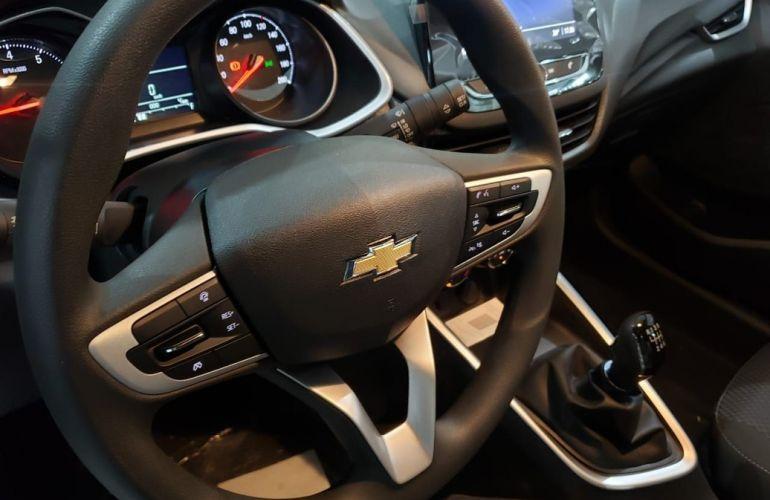 Chevrolet Onix 1.0 Plus - Foto #10