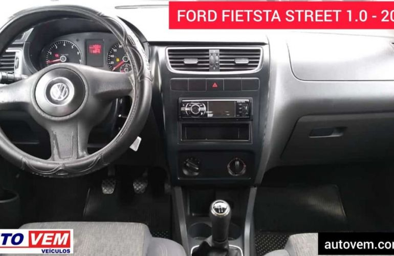 Ford Fiesta 1.0 MPi Street 8v - Foto #9