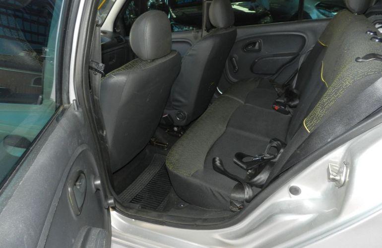 Renault Clio 1.0 Expression 16v - Foto #8