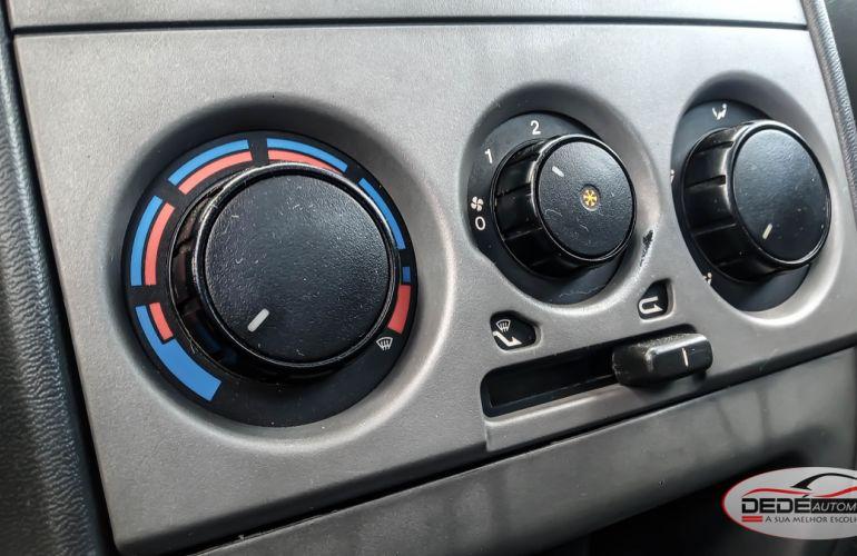 Fiat Strada Adventure 1.8 8V (Flex) (Cabine Dupla) - Foto #10