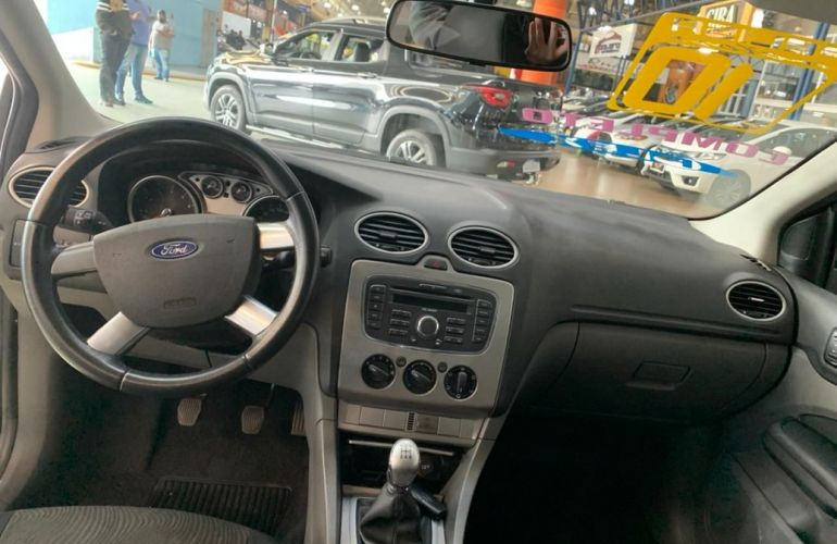 Ford Focus 2.0 Glx 16v - Foto #6