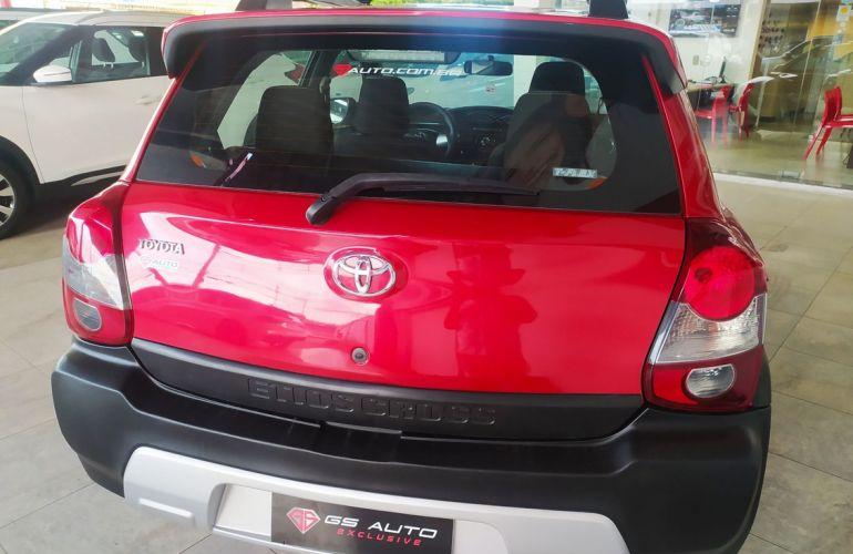 Toyota Etios Cross 1.5 16v - Foto #5