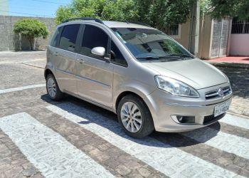 Fiat Idea Essence 1.6 16V E.TorQ (Flex) - Foto #10