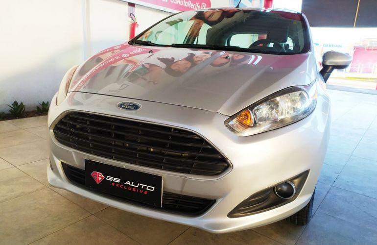 Ford Fiesta 1.5 SE Hatch 16v - Foto #2