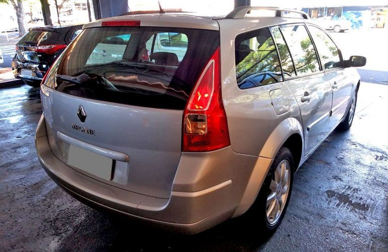Renault Megane 1.6 Dynamique Grand Tour 16v - Foto #4