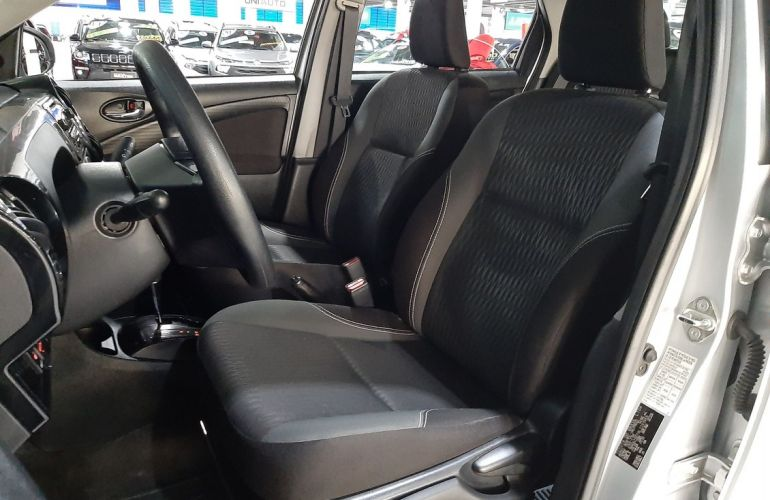 Toyota Etios 1.5 X Plus 16v - Foto #5
