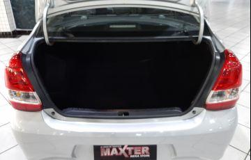 Toyota Etios 1.5 X Plus 16v - Foto #9