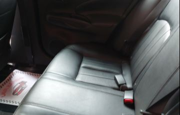 Nissan Versa 1.6 16V Unique CVT (Flex)
