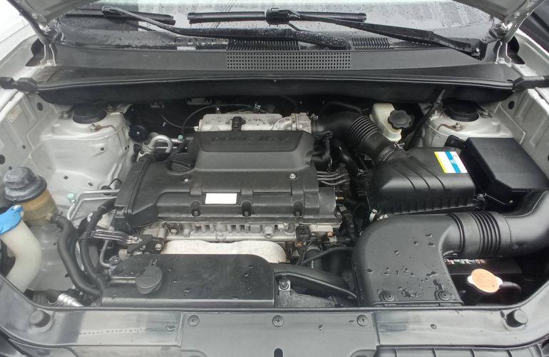Hyundai Tucson GL 2.0 16V (aut.) - Foto #2