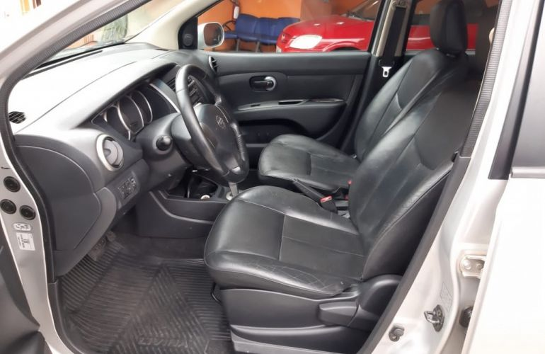 Nissan Livina X-Gear SL 1.8 16V (flex) (aut) - Foto #9