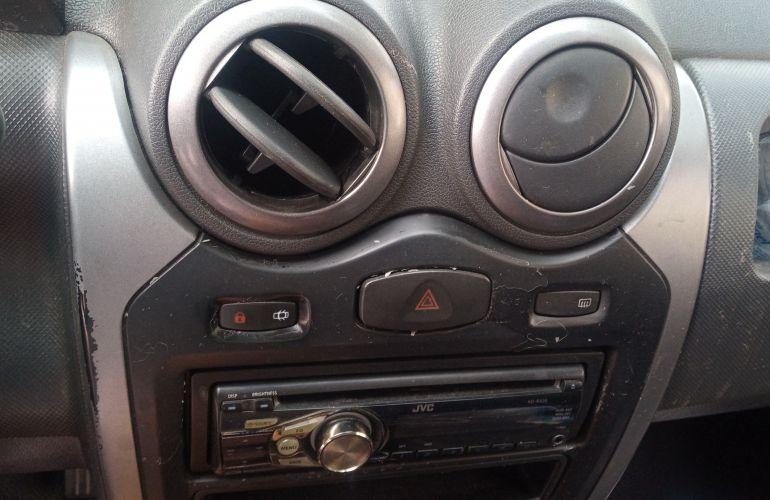Renault Logan Expression 1.6 8V Hi-Torque (flex) - Foto #6