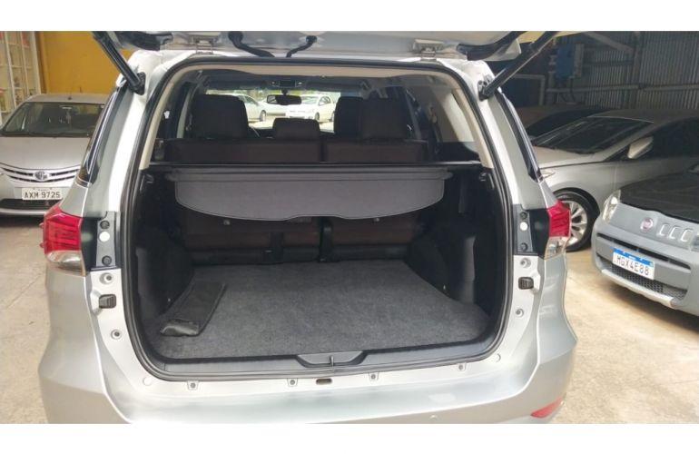 Toyota Hilux SW4 SRV 4x4 3.0 Turbo  (aut) - Foto #6