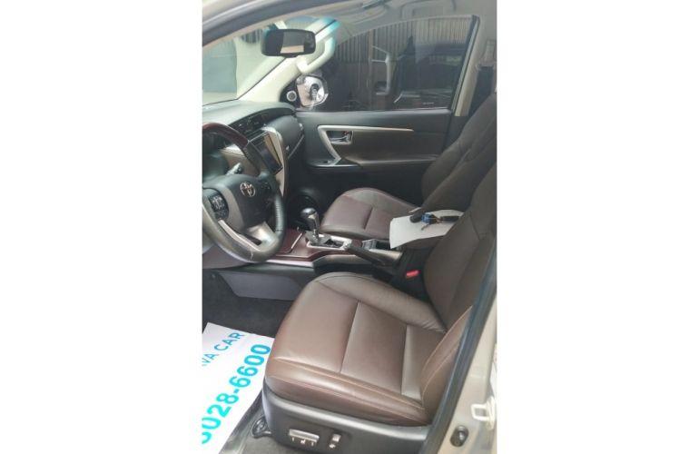 Toyota Hilux SW4 SRV 4x4 3.0 Turbo  (aut) - Foto #9