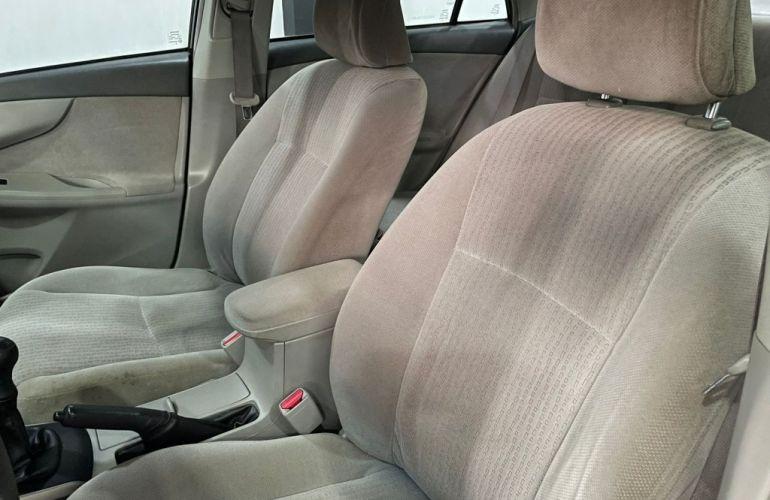 Toyota Corolla Sedan XLi 1.8 16V - Foto #10
