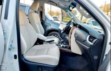 Toyota SW4 2.8 TDI SRX 7L Diamond 4x4 (Aut) - Foto #10