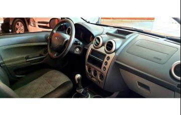 Ford Fiesta Hatch 1.0 (Flex) - Foto #4