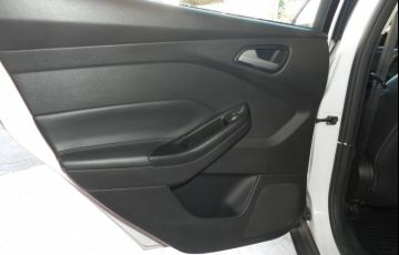 Ford Focus 2.0 SE Sedan 16v - Foto #10