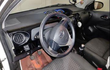 Toyota Etios X 1.3 (Flex) - Foto #6