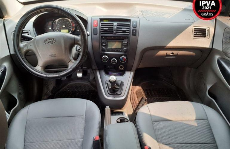 Hyundai Tucson 2.0 MPFi GL 16V 142cv 2WD Gasolina 4p Manual - Foto #2