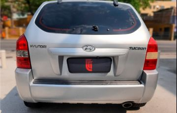Hyundai Tucson 2.0 MPFi GL 16V 142cv 2WD Gasolina 4p Manual - Foto #4