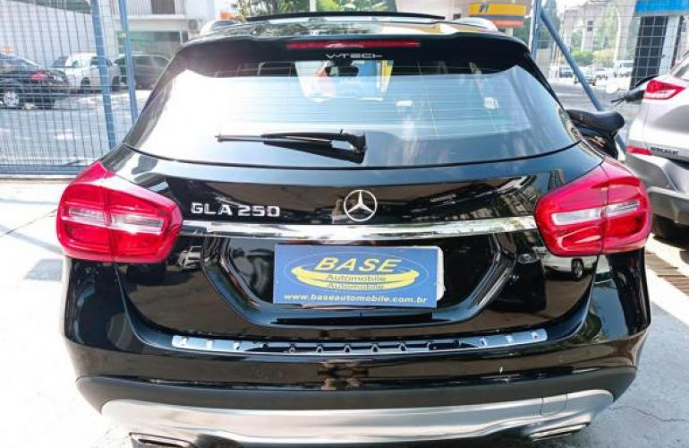 Mercedes-Benz 250 Sport 2.0 Tb 16V 4x2  211cv Aut - Foto #5