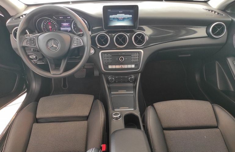 Mercedes-Benz CLA 180 - Foto #6