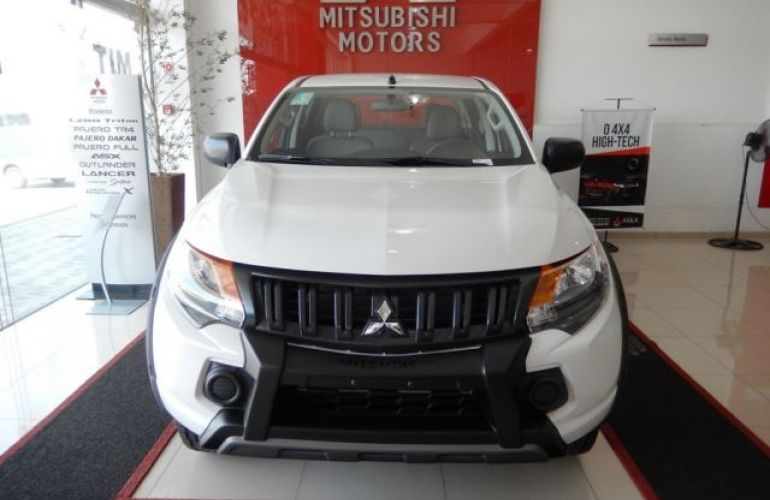 Mitsubishi L200 Triton Outdoor Glx 2.4 16v - Foto #3