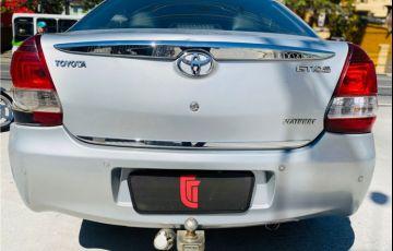 Toyota Etios 1.5 Platinum Sedan 16V Flex 4p Manual - Foto #4